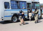 На Кубани во время учений силовики освободили захваченный террористами автобус