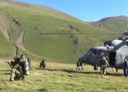 Горные стрелки армий пяти стран совершили десантирование на Эльбрусе