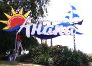 В Анапе вандалы разбили букву «А» на стеле при въезде в город