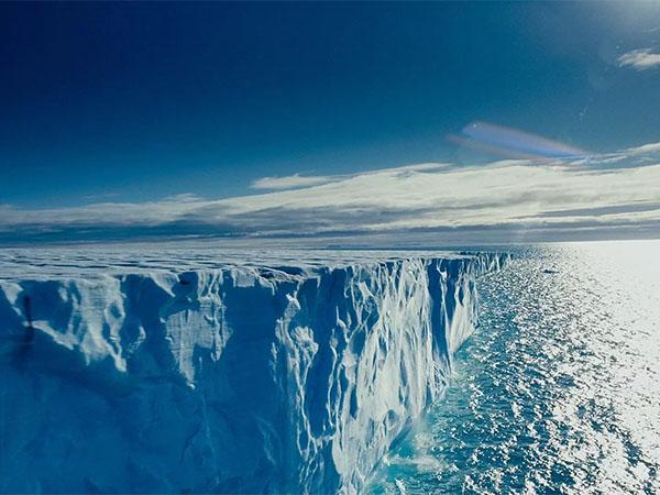 Тающая Арктика: инженеры придумали способ снова ее заморозить