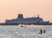 Круизный лайнер «Князь Владимир» не смог пришвартоваться в Ялте из-за шторма