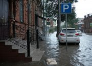 В Краснодаре ливень подтопил несколько улиц