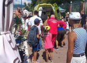 В Сочи спасатели достали из моря мужчину, который потерял сознание в воде