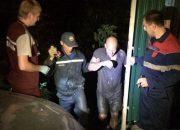 В Новороссийске спасли мужчину, который увяз в болоте