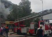 В Сочи из-за пожара в квартире эвакуировали жильцов пятиэтажки