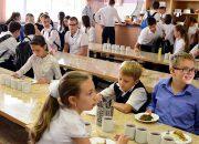 В Роспотребнадзоре рассказали о правильном школьном питании
