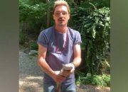 Дмитрий Билан поймал руками форель в Геленджике