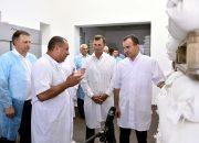 Кондратьев посетил предприятие по производству хлеба в Кореновском районе