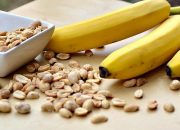 Минздрав: орехи, бананы и полноценный сон помогут в борьбе со стрессом