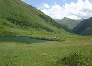 ВСочи из-за большого наплыва туристов закроют доступ на озеро Дзитаку