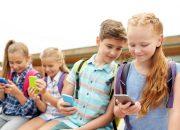 В российских школах ограничат использование телефонов
