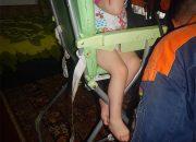 В Крымске спасатели помогли девочке, застрявшей в стульчике для кормления