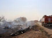 В МЧС назвали предварительную причину крупного пожара в Тамани