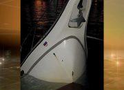 В морпорту Сочи после туристической прогулки затонула яхта