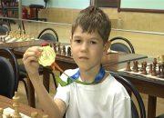 На международном шахматном турнире среди юниоров победил восьмилетний сочинец
