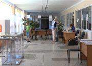 В Лабинском районе на избирательных участках работают электронные урны