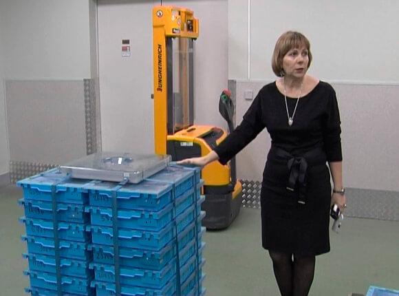 В Краснодаре показали, как выглядит 1 млрд рублей пятитысячными купюрами
