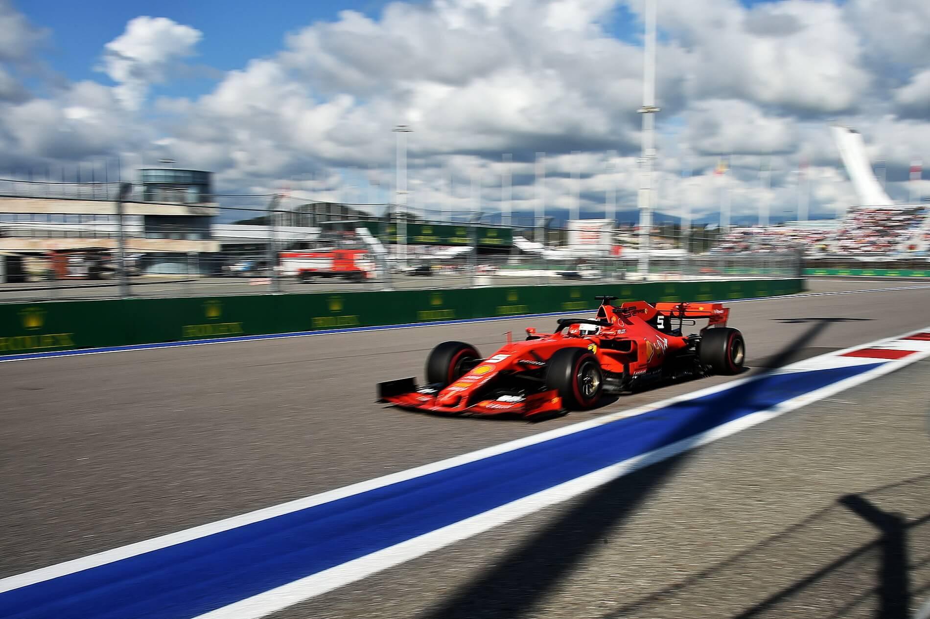 Смотреть онлайн Формула-1. Гран-при США гонка 3 ноября 2019 прямой эфир