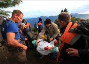 В Сочи участница марафона повредила ногу, ей потребовалась помощь спасателей