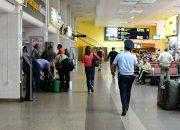 В аэропорту Краснодара задержали женщину с набитой деньгами дамской сумочкой