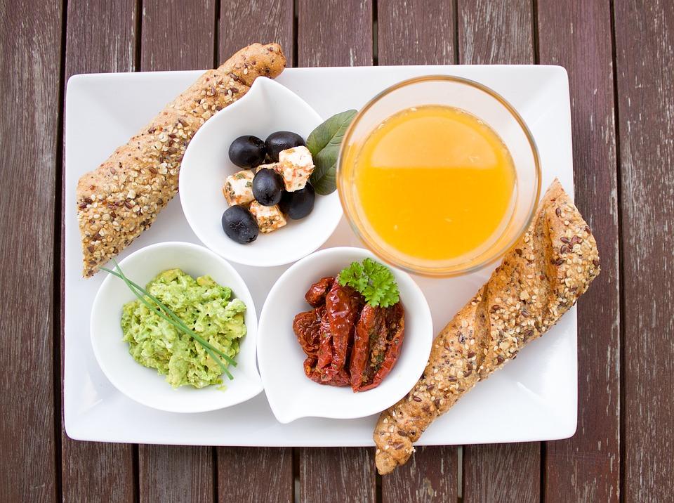 в лечении рака поможет плотный завтрак