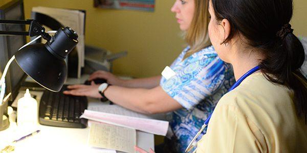 В Краснодарском крае открыто более 2,7 тыс. вакансий врачей