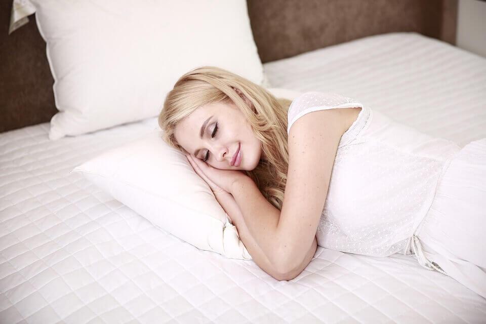 Меньше помнишь — лучше спишь: зачем мозг мешает запоминать сны