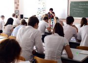 В России запретили выгонять учеников с уроков из-за нестандартного внешнего вида