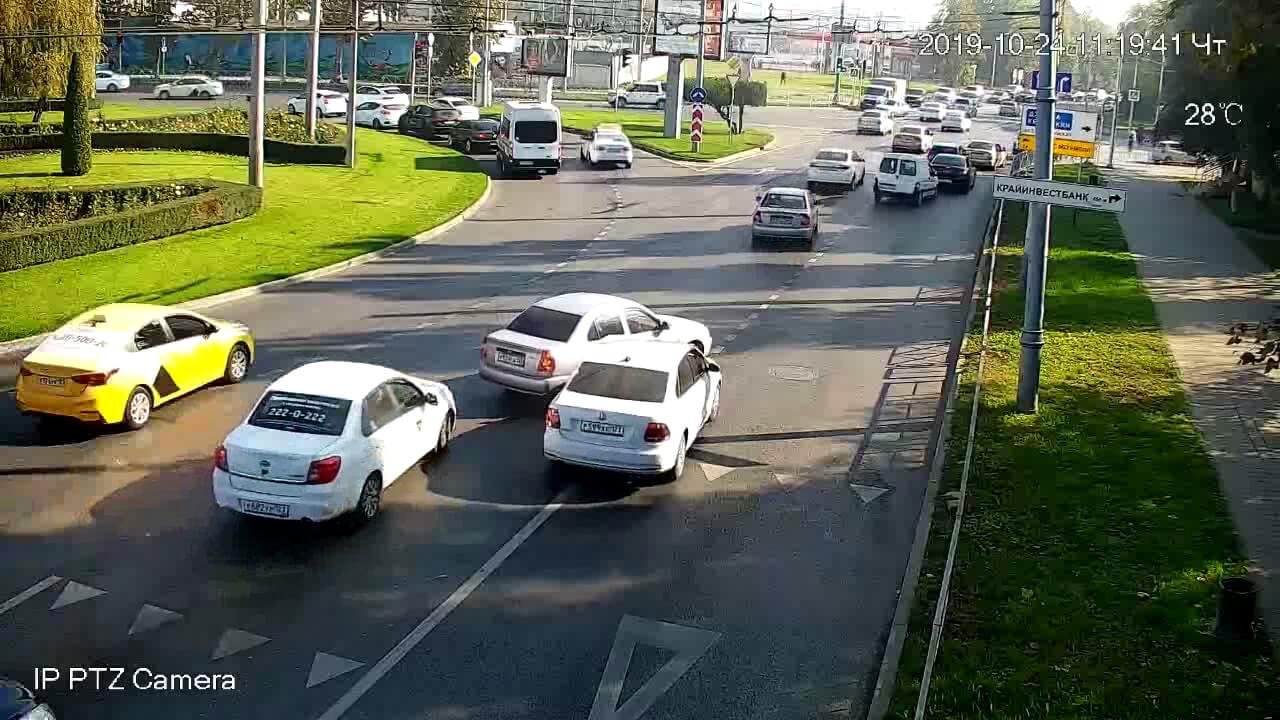 Видео ДТП в Краснодаре за 24.10.19