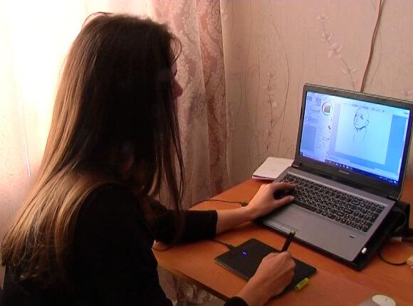 В Краснодаре девушка рисует комиксы для глухих