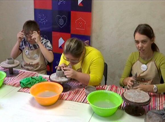 На Кубани заработала первая мастерская для людей с особенностями в развитии