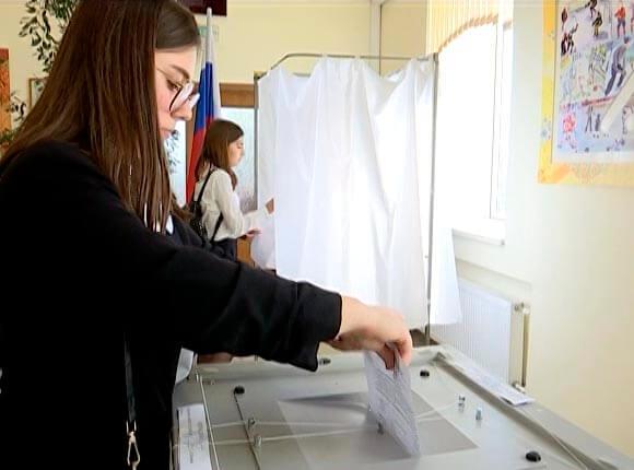 Как в Сочи проходили выборы президента школы № 100