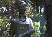 Три памятника: скульпторы Кубани рассказали о своих первых учителях