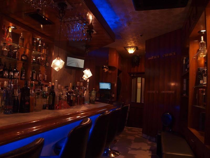 Вам здесь не рады: в Японии открыли бар для социофобов