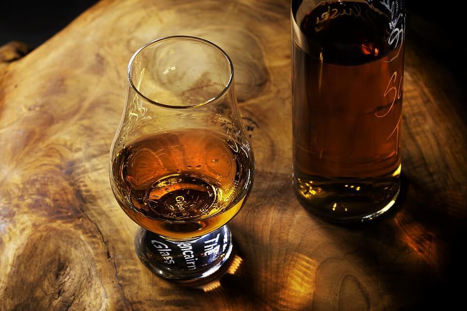 Самая дорогая бутылка виски с «русским следом» продана за 1,9 млн долларов