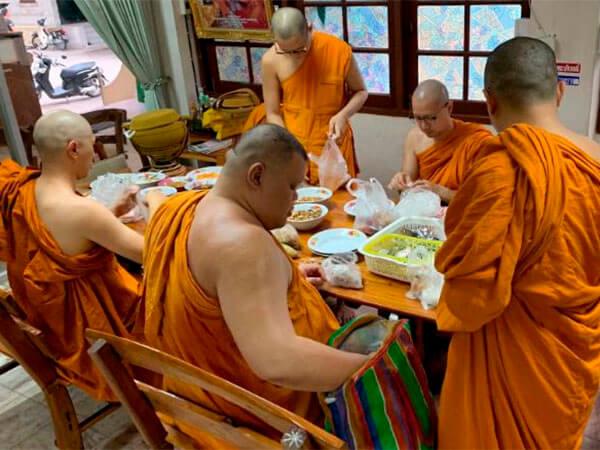 монахи, диета