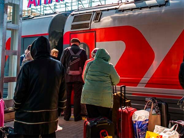 В Сочи из-за повреждения контактной сети задержали 11 пассажирских поездов
