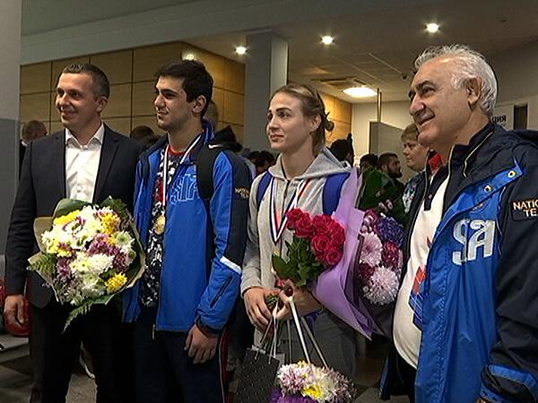 Как в Краснодаре встречали кубанских чемпионов мира по самбо
