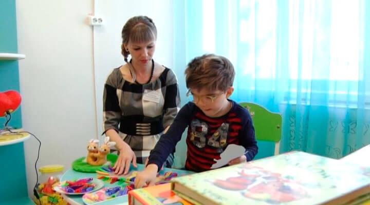 Особенные ученики: как в Армавире детей-инвалидов обучают вести себя в быту