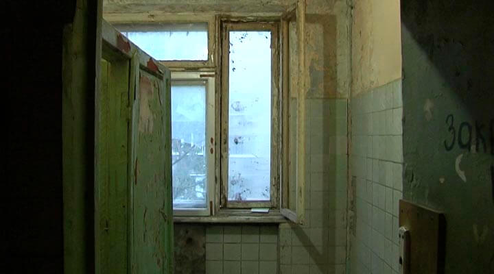 В Краснодаре жильцы боятся, что их аварийный дом разрушится до расселения