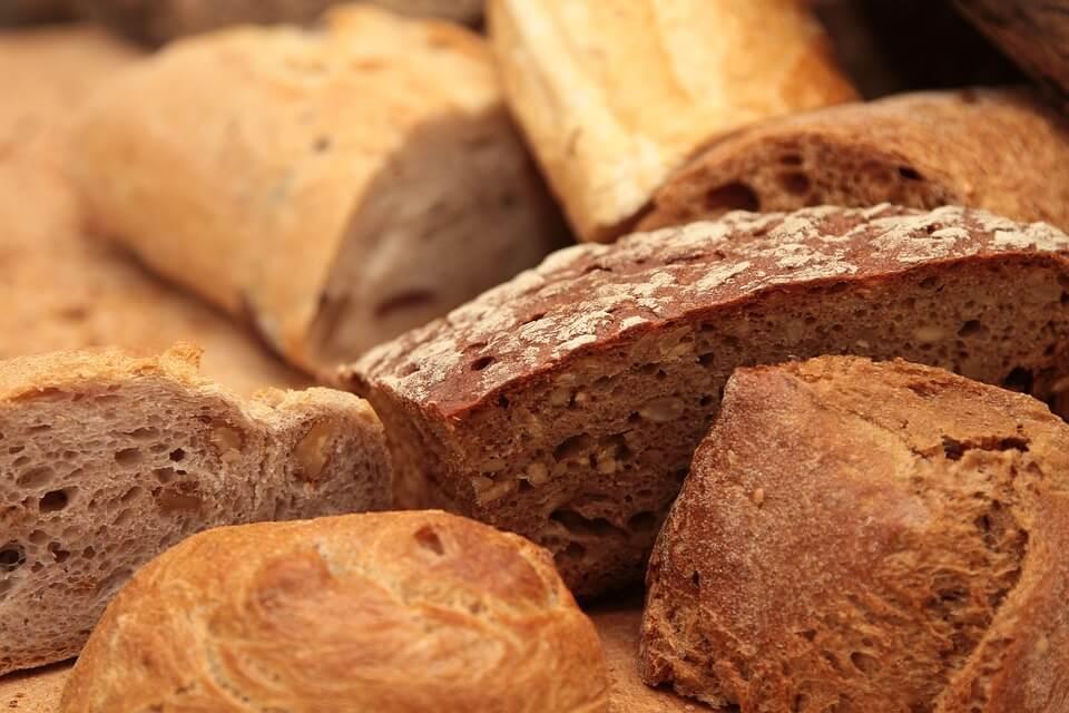 Хлеб черный или белый: без дрожжей, без глютена, без разницы…