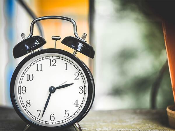 Летнее время убивает: перевод стрелок повышает риск инфарктов и инсультов