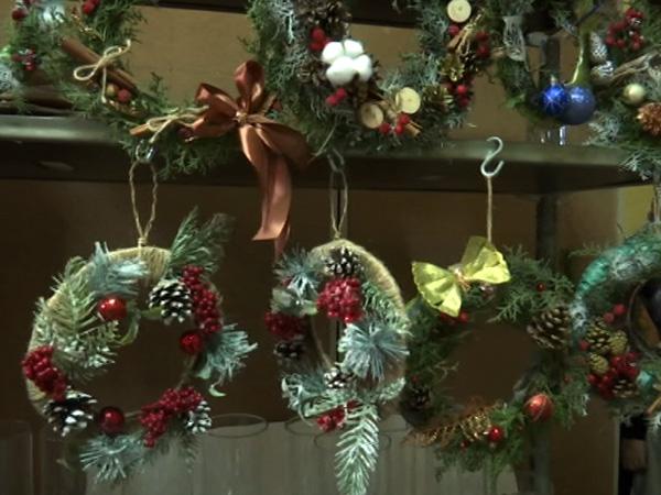 Будущие флористы из Ейска дали советы по созданию новогоднего декора