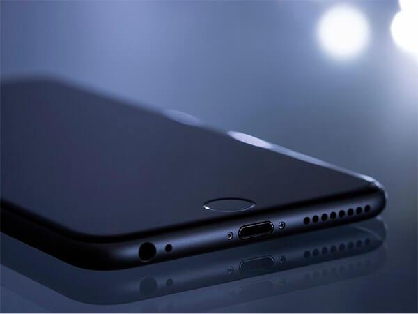 Массовые смартфоны: удар головой в подарок