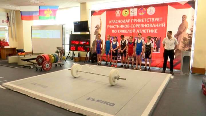 Как проходит первенство Краснодарского края по тяжелой атлетике