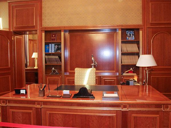 Чтобы стать министром в России, нужно работать более 20 лет