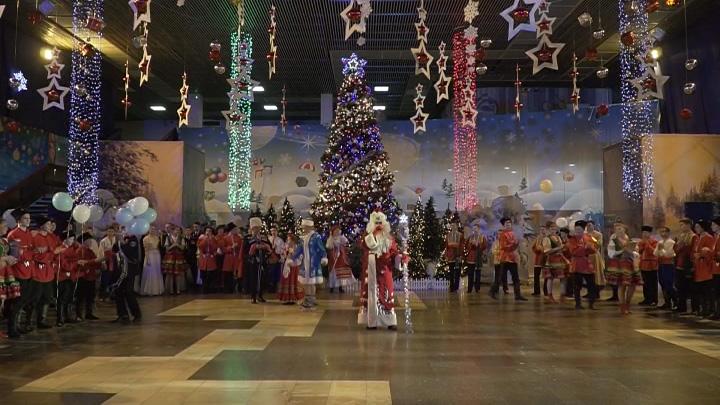 В Новороссийске прошел традиционный новогодний кадетский бал