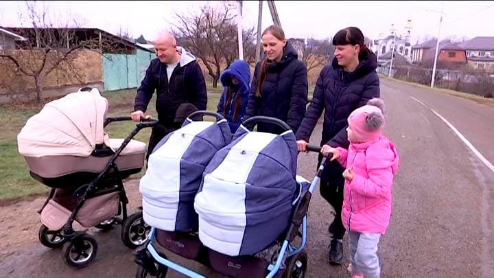 У жительницы Краснодарского края родились тройняшки, в семье стало пять детей