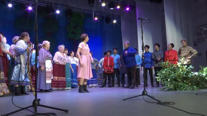 «Казаки тоже плачут»: труппы Ейского театра объединились и показали спектакль