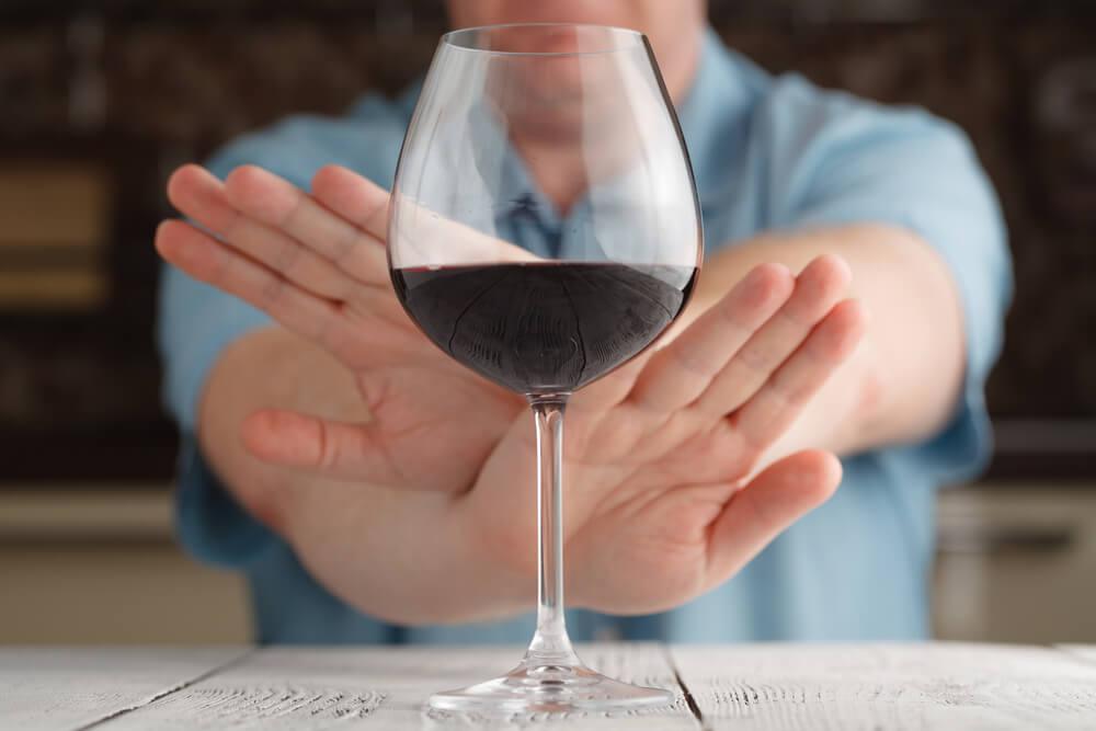 Похмеляться алкоголем может быть смертельно опасным занятием